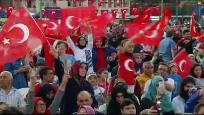 15 Temmuz'un ikinci yıl dönümünde  Kocaeli'de binler Milli İrade Meydanı'na akın etti