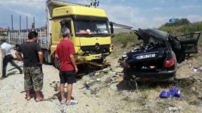 Çınarcık'ta trafik kazası: 3 ölü, 1 yaralı