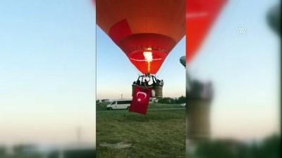 Sıcak hava balonları 15 Temmuz için havalandı - DENİZLİ