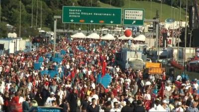 Vatandaşlar miting alanına akın etti