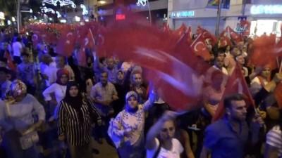 sehit -  Düzce'de Demokrasi ve Milli Birlik Günü için vatandaşlar Mehter ile yürüdü