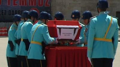 Eski Bakanlardan Rıfkı Danışman için tören düzenlendi