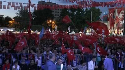 """Eskişehir Valisi Özdemir Çakacak; """"Bu destanı hakkıyla yaşatmak en büyük görevlerimizden birisidir'"""