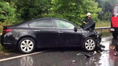 Otomobil ile hafif ticari araç çarpıştı: 4 yaralı - KOCAELİ