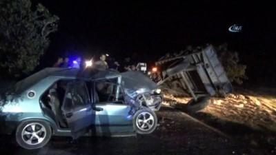 jandarma -  Otomobil traktöre arkadan çarptı: 3 yaralı