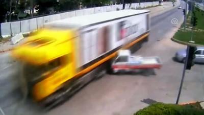 Trafik kazaları MOBESE kameralarında - ADANA