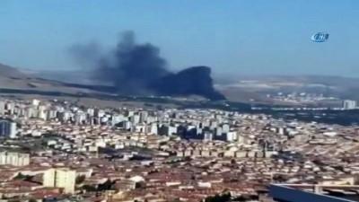 Ankara'da askeri kışlada çatı yangını