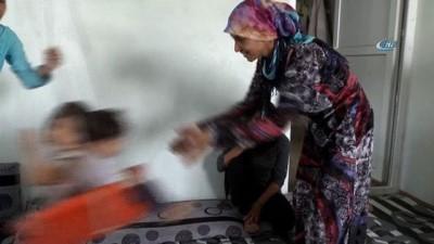 - BM İyi Niyet Elçisi Jolie, Suriyeli Mültecilerin Yaşadığı Kampı Ziyaret Etti