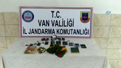 jandarma -  Erciş'te bir terörist güvenlik güçlerine teslim oldu