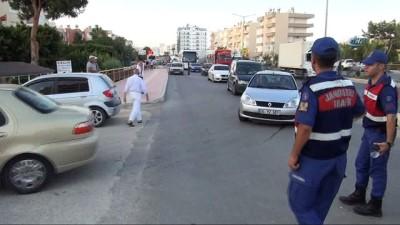 jandarma -  Mersin'de şüpheli paket paniği