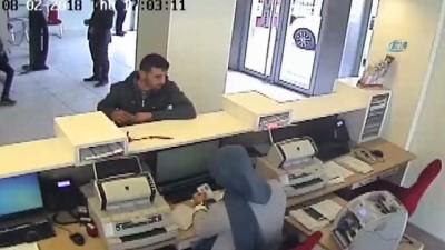 jandarma -  Sahte polislerin birbirini dolandırma anı kameralara böyle yansıdı