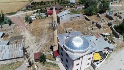 uttu -  Biri camiyi diğeri ise kiliseyi mesken tuttu
