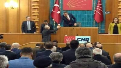 Cumhurbaşkanı Recep Tayyip Erdoğan ve yakınlarının yurt dışına para transfer ettiklerini iddia eden CHP Genel Başkanı Kemal Kılıçdaroğlu, 359 bin lira manevi tazminat ödemeye mahkum edildi