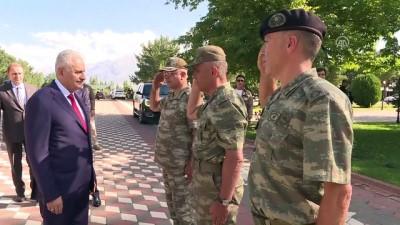 TBMM Başkanı Yıldırım, 3. Ordu Komutanlığı'nı ziyaret etti - ERZİNCAN