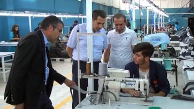 VAN'da açılan tekstil fabrikası 110 kişiye ekmek kapısı oldu