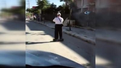 yasli adam -  Yaşlı adamın hoverboard keyfi