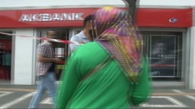 Banka önüne bırakılan çanta polisi harekete geçirdi