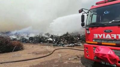 Dün akşam geri dönüşüm fabrikasında çıkan yangın söndü