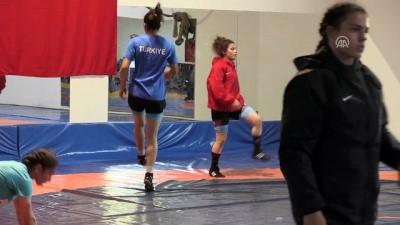 rektor - Genç Kadınlar Güreş Milli Takımı'nın Yalova kampı