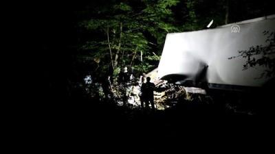 Kayıp kamyoncu devrilen araçta ölü bulundu - KASTAMONU