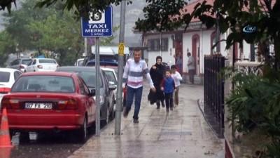Meteorolojinin uyarılarının ardından Zonguldak'ta kuvvetli sağanak yağış etkili oldu