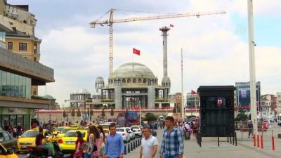 Taksim Camisi'nin minaresi yükseliyor - İSTANBUL