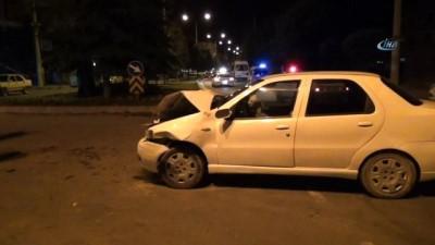 servis araci -  Tavşanlı'da trafik kazası 2 yaralı