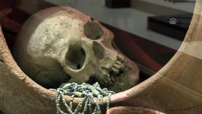 Hattiler ölülerini küplerin içinde cenin pozisyonunda gömmüşler - ÇORUM