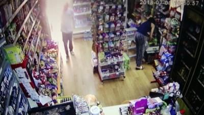 Market elemanının kavanozla kendini savunma anı kamerada - ANTALYA
