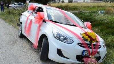 Şuhut'ta düğün konvoyunda zincirleme kaza