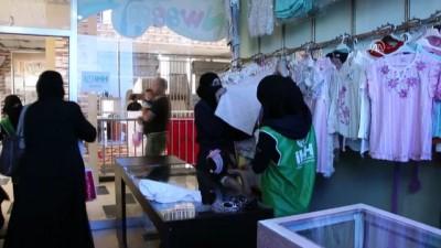 Türkiye'den Afrinli ailelere kıyafet yardımı - AFRİN