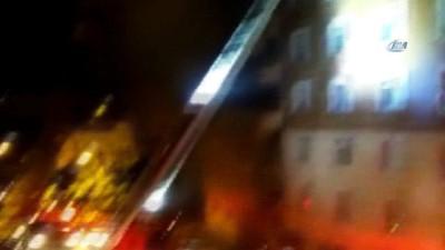 yangina mudahale -  6 katlı binanın çatısı alev alev yandı