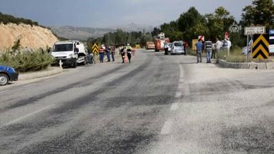 hastane - Burdur'da iki otomobil çarpıştı: 7 yaralı