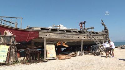 Çivisiz Fenike teknesiyle boğaz macerası - İZMİR