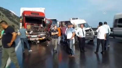 trafik kazasi - Anadolu Otoyolu'nda zincirleme trafik kazası - KOCAELİ