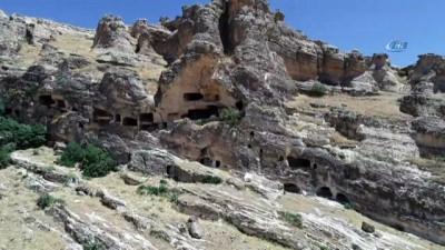Bin yıllardır süren ihtişam: Hasuni Mağaraları