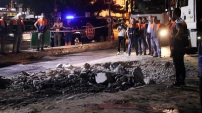 forma -  Dolmabahçe'de çöken yol onarılıp yeniden trafiğe açıldı