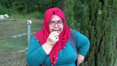 Eşinin bulunması için şehit oğlunun mezarında dua ediyor - ZONGULDAK