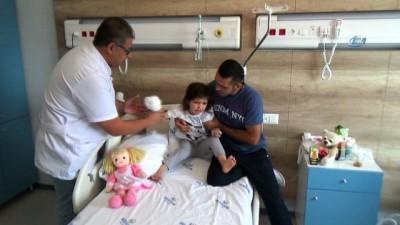 hastane -  Minik Zeynep'in Sivas'ta kopan parmağı Antalya'da dikildi