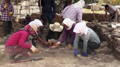 Sıcak hava antik kente çadır kurdurdu - MUĞLA