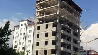13 katlı inşaatta tehlikeli çalışma kamerada