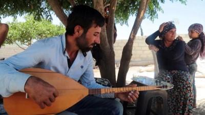 ogrenciler - Afrinli saz aşığı huzura kavuşan köyünde kurs açmayı istiyor - AFRİN