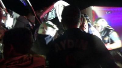 trafik kazasi -  Aydın'da feci kaza... Kamyonette sıkışan iki kardeş acı içinde kurtarılmayı bekledi