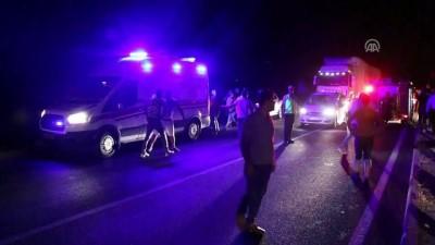 Kamyonetle traktör çarpıştı: 1 ölü, 2 ağır yaralı - AYDIN