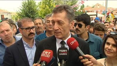 Milli Eğitim Bakanı Selçuk: 'İhtiyacımız olan tek şey iş birliği ve güç birliği'