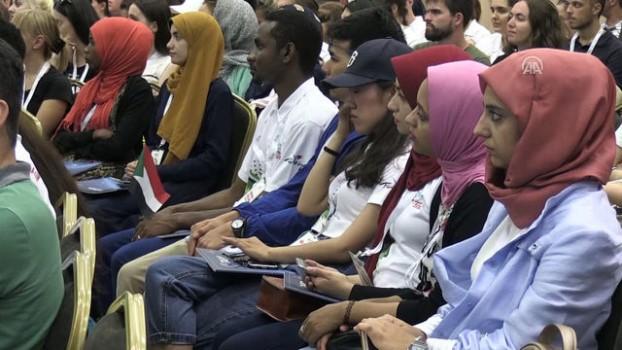 uluslararasi - Türkçe Yaz Okulu için gelen yabancı öğrenciler Konya'da