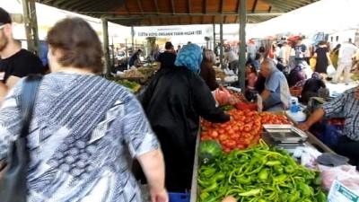 Burhaniye'de Organik Pazarı açıldı
