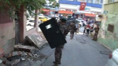 bonzai -  İstanbul polisinden Kadıköy'de narkotik operasyonu