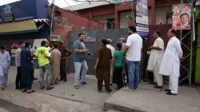 Pakistan'da oy verme işlemi başladı - İSLAMABAD