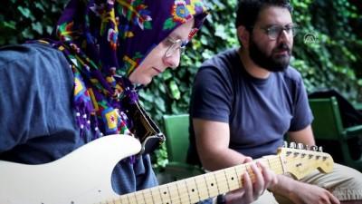 'Elektro gitar benim için farklı bir ifade aracının yolu oldu' (1) - İSTANBUL